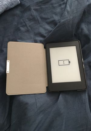 Kindle paperwhite for Sale in Los Angeles, CA