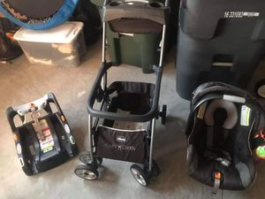 Chicco Infant Stroller Car Seat w/Extra base for Sale in Raleigh, NC
