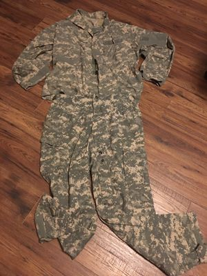 Digital combat camo men large shirt and pants for Sale in Lake Charles, LA