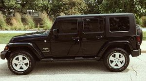 2007 Jeep Wrangler Unlimited Sahara 4WD Wheels for Sale in Columbus, OH