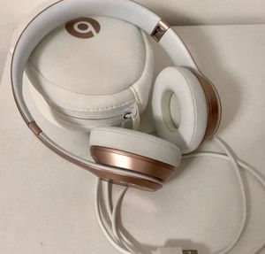 Solo Beats by Dre (Rose Gold) for Sale in Miami, FL