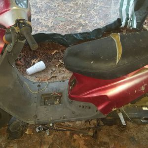 Eton 50cc 2 Stroke for Sale in Lugoff, SC
