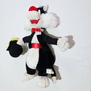 Sylvester Cat Magician with Tweety Bird in Hat Collectible Plush Toy for Sale in Laredo, TX