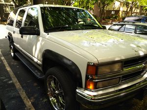 1996 Chevy Suburban with vortex 350 and 22 inch rims for Sale in Vancouver, WA