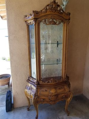 Antique China Cabinet for Sale in Baldwin Park, CA
