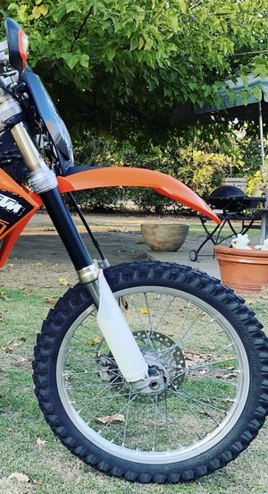 2009 crf450 forks and wheel for Sale in Fresno, CA