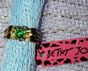 BETSEY JOHNSON GREEN RING for Sale in Azusa, CA