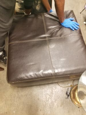 Leather Ottoman for Sale in St. Louis, MO