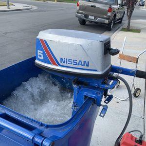 Nissan 5hp Outboard 2 Stroke Boat Motor for Sale in Seal Beach, CA