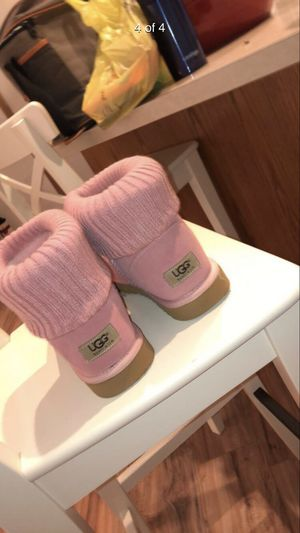 PINK UGG BOOTS for Sale in Atlanta, GA