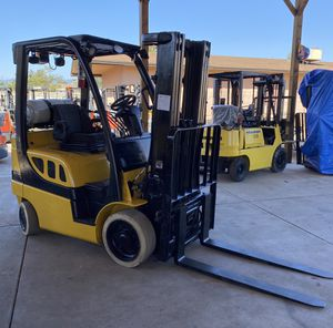 2011 YALE FORKLIFT FOR SALE for Sale in Tustin, CA