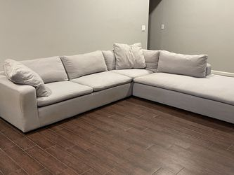Living Spaces Sectional w/ Chaise Lounge for Sale in Scottsdale,  AZ