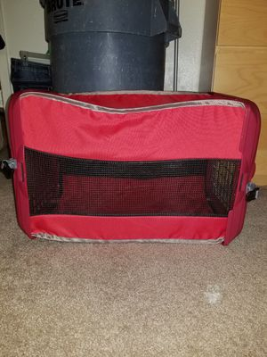 Dog crate,good for traveling, in good condition like new. Asking for $20 or make offer. for Sale in Houston, TX