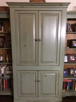 Armoire with side bookshelves for Sale in HOFFMAN EST, IL