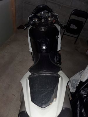 2007 yamaha r1. 23k miles needs battery for Sale in West Seneca, NY