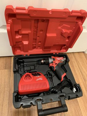 Milwaukee m12 drill with charger and hard case. $100 price is firm for Sale in Bellevue, WA