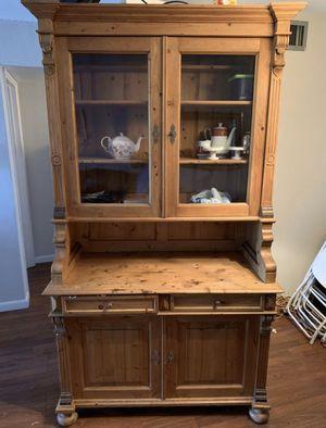 Two piece wooden cabinet hutch for Sale in Miami, FL