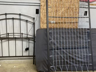 Iron Twin Bed for Sale in Vancouver,  WA