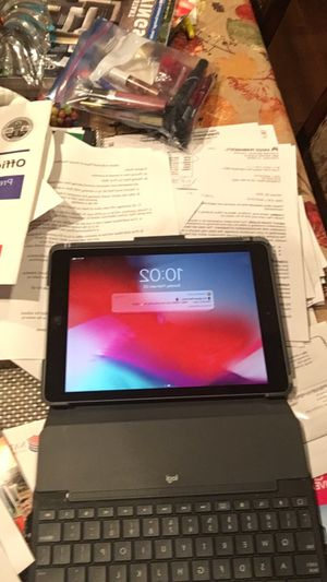 iPad 6th generation great condition need it out for Sale in Diamond Bar, CA