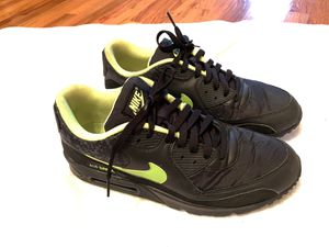 Nike Air Max 90 Black/Volt for Sale in San Diego, CA