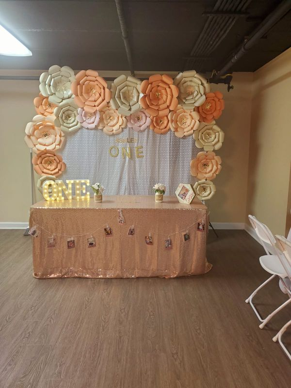 paper Flower decoration And tablecloth pink Gold color
