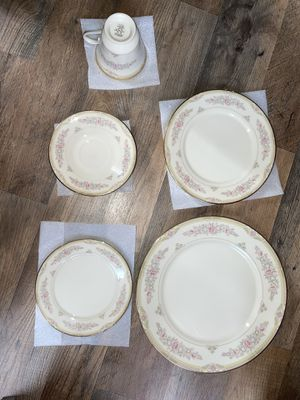 Lenox Chesapeake 5-Piece China (8 complete sets) for Sale in Oakhurst, NJ
