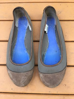 PATAGONIA LADIES MAHA BREATHBLE SABLE BROWN LEATHER FLATS SLIPPERS SHOES SIZE 10 for Sale in Puyallup, WA