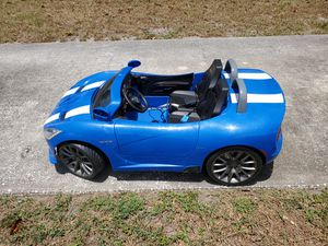 Dodge viper 12v battery powered car for Sale in Belleair Beach, FL