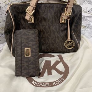 Authentic/Original Michael Kors Handbag for Sale in Hialeah, FL