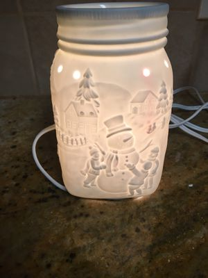 Scentsy Full Size Warmer with Box for Sale in Friendswood, TX
