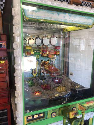 Raptor captor arcade game for Sale in Hesperia, CA