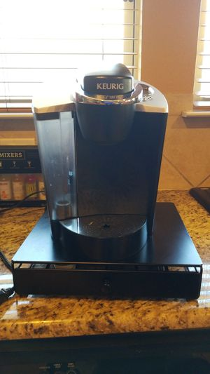Keurig with K cup holder stand for Sale in DeSoto, TX