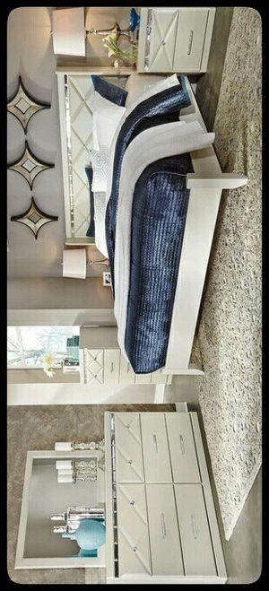 💤Ashley💤 Dreamur Champagne Panel Bedroom Set for Sale in Hyattsville, MD
