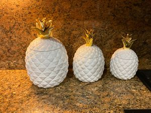 Pineapple holders for Sale in Miami, FL