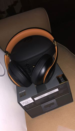 Beats studio 3 wireless for Sale in Richmond, CA