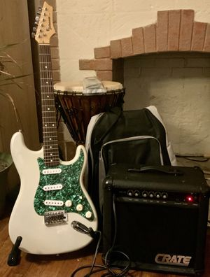 Strat package - Johnson Guitar/ Amp- Everything you need to play today for Sale in Pittsburgh, PA