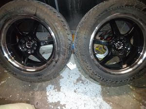 Raceline rims with studded tires for Sale in Bremerton, WA