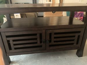 World Market solid TV stand 30(h)x49(w)x21(d) for Sale in Houston, TX