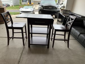 Small breakfast table and chair set for Sale in Clover, SC