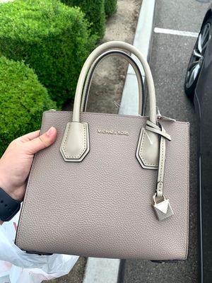 Michael kors purse for Sale in Bakersfield, CA