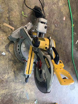 "DWS780 12"" (305 mm) DOUBLE BEVEL SLIDING COMPOUND MITER SAW for Sale in Houston, TX"