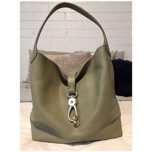 Dooney & Bourke Belvedere Shoulder Tote Bag for Sale in Phoenix, AZ