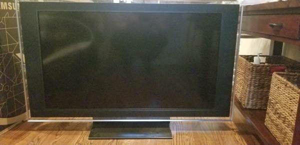 Sony 46 inch TV with remote control and 3 HDMI ports $175