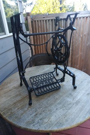 Antiques sewing machine for Sale in Gresham, OR