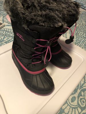 Boots for snow for girl for Sale in Queens, NY