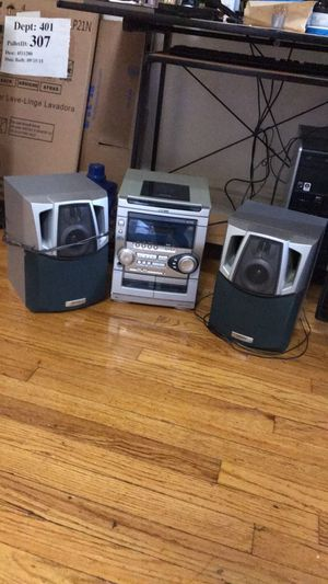 CD player and speakers for Sale in Chicago, IL