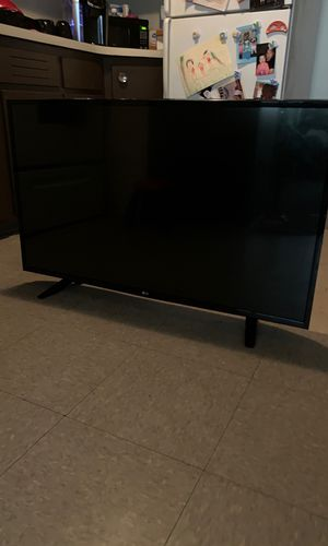 "46"" LG t.v for Sale in Bristol, CT"
