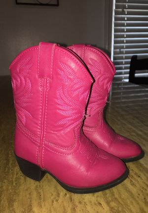 Girl toddler cowboy boots size 8c color pink for Sale in Brookfield, IL