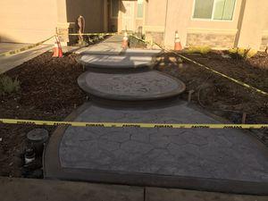 Asemos todo tipo de cemento escalones patios fenses sácate real todo tipo de diseños for Sale in Elk Grove, CA