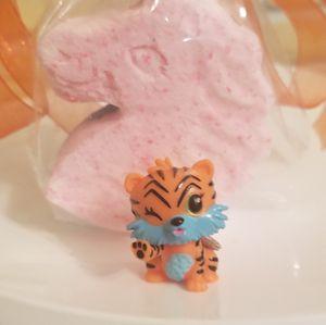 3 Hatchimal Unicorn Bath Bombs scent sweet orange for Sale in Miami Gardens, FL